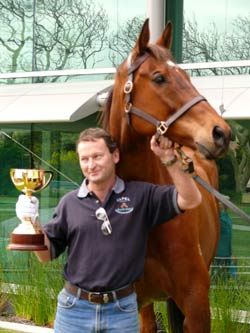 Rogan Josh wins the 1999 Melbourne cup