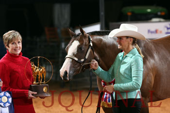 Alleged embezzler Rita Crundwell takes the prize. AQHA Photo.