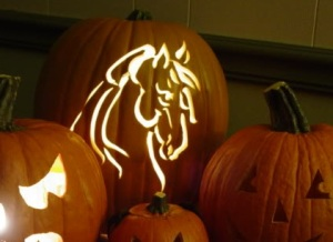 Carved horse pumpkin. Source: HorseNation.com.