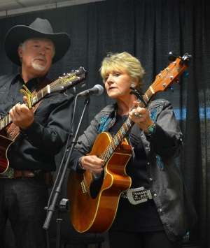 Lacy J Dalton sings for wild horses with Willis Lamm. Photo: Terri Farley blog.
