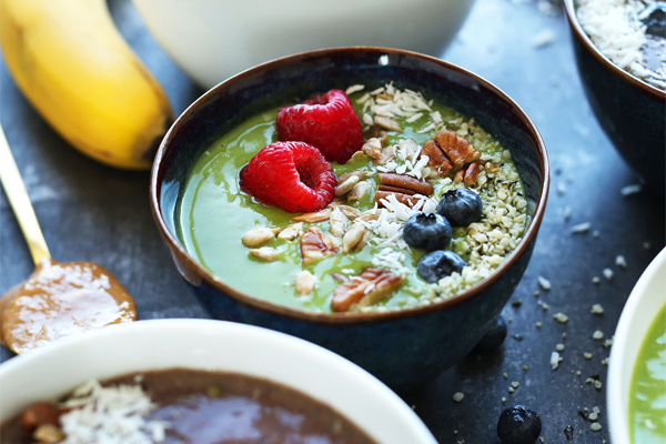 Green smoothie bowl. Recipe and photograph by Dana at the Minimalist Baker. Scrumptious! Click image to visit her website.