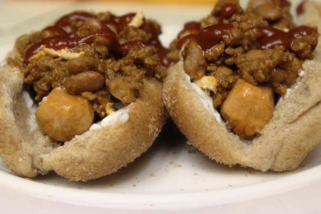 Chili Dogs by Vegan Chowhound.