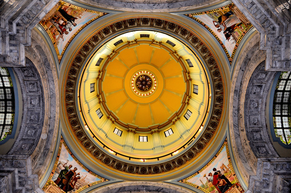 Kentucky State Capitol Bldg Rotunda Dome. Encircle™ Photos.