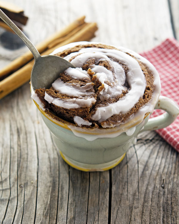 Vegan Cinnamon Roll in a Mug. By the Iron You.