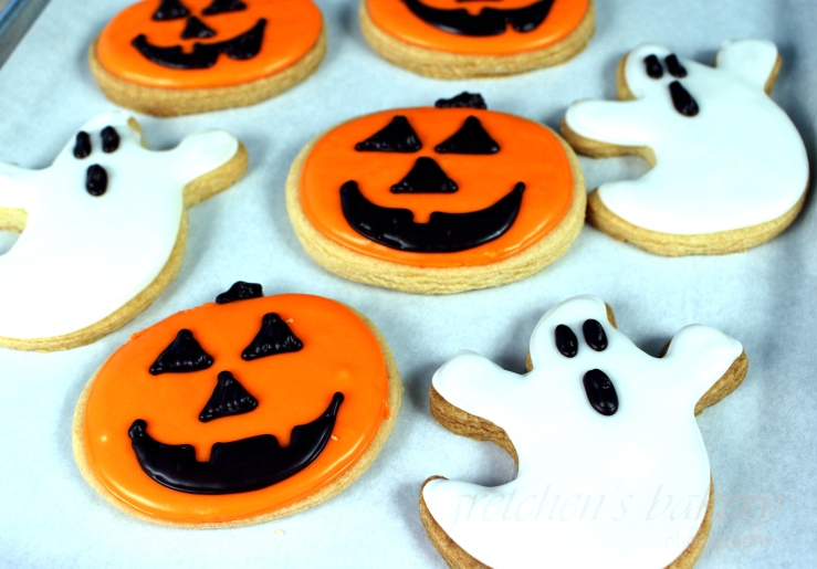 Image from Gretchen's Vegan Bakery. Click to visit site for how to make these delicious sugar cookies.