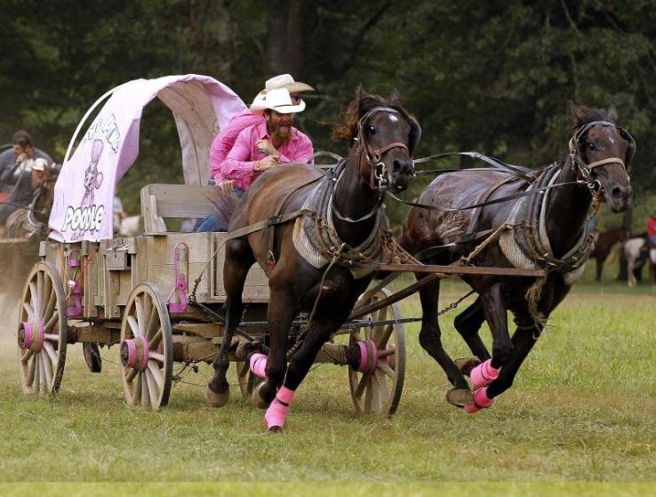 Arkansas Democrat-Gazette/THOMAS METTHE — 8/30/2019 — The National Championship Chuckwagon Races on Friday, Aug. 30, 2019, in Clinton, AZ.